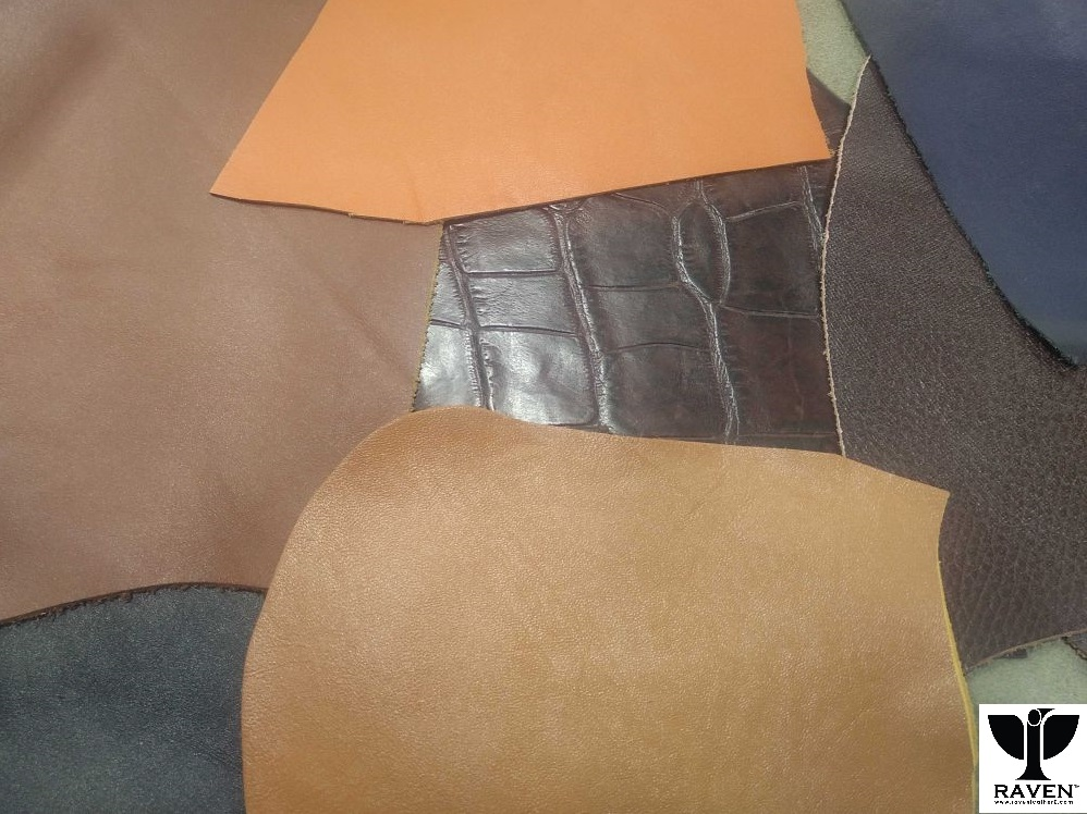 A-pile-of-leather-swatches