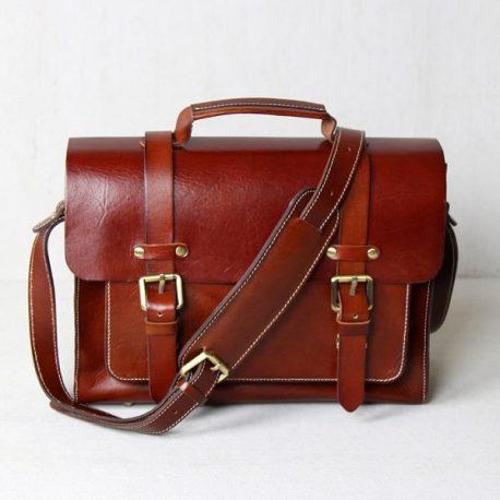 Reddish Brown Medium Messenger Bag
